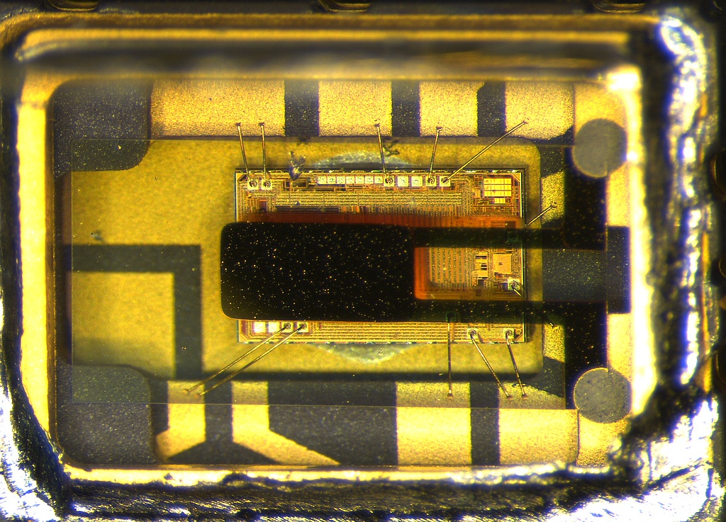 The Si-570: A 10 MHZ TO 1 4 GHZ I2C PROGRAMMABLE XO